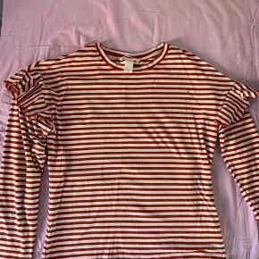 Stribet langærmet trøje. 40kr
