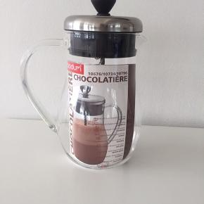 Bodum Chocolatiere chokoladekande med blendeeffekt, 1L. Glas og krom med en spiral i midten. Tåler maskinopvask. Aldrig brugt.