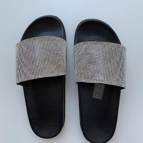 TREND sandaler