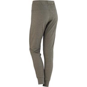 Super lækker bløde bukser fra Kari traa  de er nye med tags og aldrig Brugt kun prøvet sælges kun fordi de er for store da jeg har tabt mig  Rigtig meget øv øvede er så flotte😊😊😊