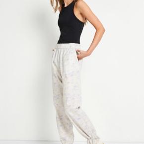 Vildt fede bukser med sej bindedetalje fra Envii Str: small