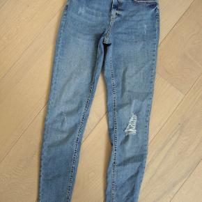 Næsten nye jeans str. S