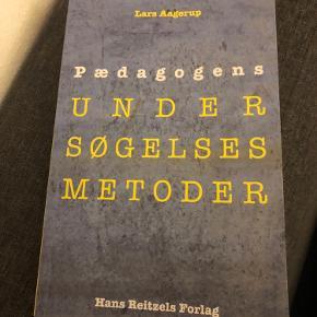 Bog brugt til pædagogstudiet.  Lars Aagerup: Pædagogens undersøgelses metoder.   Aldrig brugt.