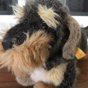 Steiff RUHÅRET GRAVHUND 36 cm lang 11 cm Brad  Vintage Steiff Wire Haired Dachshund Toy Sausage Dog id 4151/25  Har kun stået til pynt Made in western Germany