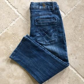 Lækker jeans kun brugt få gange - kom gerne med et bud 👖