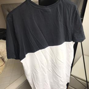 Sælger denne H2O trøje i str. S, men passer også en str. M