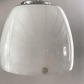 3 fine hvide glaslamper