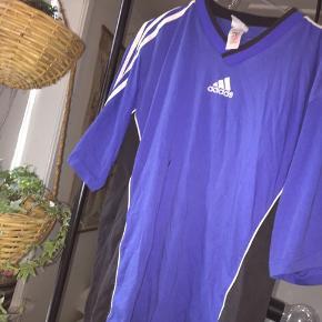 Sej Adidas t-shirt. Kom med bud!   #30dayssellout