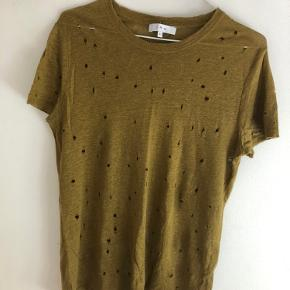 IRO Clay t-shirt, i farven Olive.