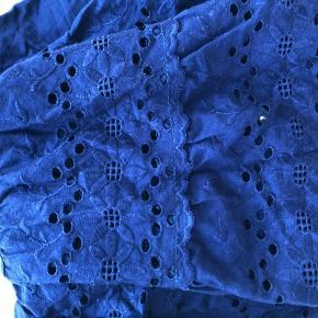 Vintage nederdel med blonder i mørkeblå.  #Secondchancesummer