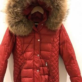 ROCKANDBLUE jakke  Str 40, passer en 36-38 Sælges da den er for stor  Nypris ca 3000kr