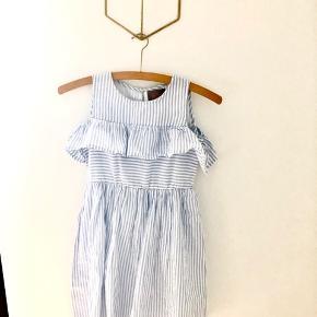 Bomulds kjole fra Creamie. Aldrig brugt. Vildt fin. Med en cardigan vil den kunne bruges hele året rundt.