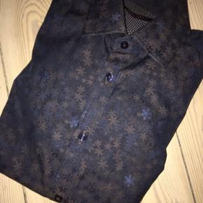 Sender ikke Sand Skjorte Model Iver (ekstra Slim fit) Str 39 Nypris 1300,-