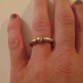 Heiring ring