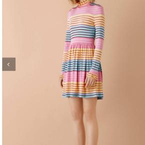 Ny med prismærke. Overvejer at sælge denne smukke kjole