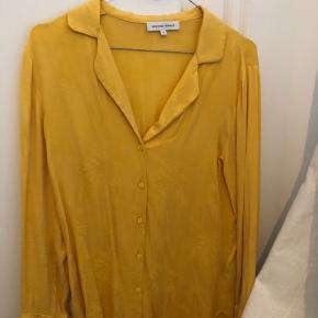 Second Female skjorte