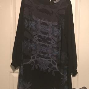 Rigtig fin kjole fra nanna xl brugt en gang , den er blevet lagt op så den er lidt kortere end oprindeligt