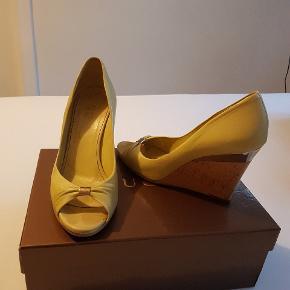 Super fede sko fra Gucci. Har været super glad for dem. Men passe dem desværre ikke helt efter jeg har født..