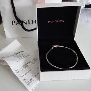 Pandora armbånd sølv med rosa hjerte lås, 19 cm, NYT i original æske.
