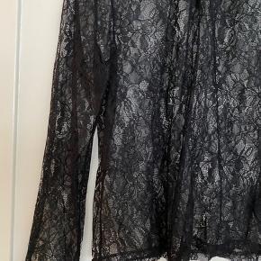 Fin blonde top fra H&M. Kun brugt et par gange.   #30dayssellout