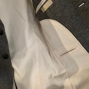 Str. 48  Casual blazer med albue patches i uld og inderfor i 100% bomuld