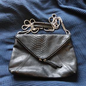 fra MACHÉ. lækkert læder. rå taske. bytter ikke.