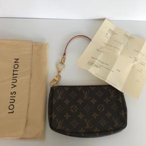 Louis Vuitton. Aldrig brugt. Udgået model. Np 2.700kr Mp 3.000kr