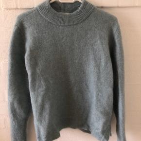 Strik sweater i lyserblå fra Second Female str. S Brugt få gange  BYD