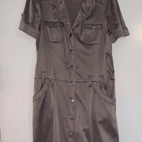 Malou Sander kjole eller nederdel