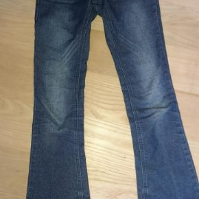 Jeans med trompet bukser fra D-xelBrugte men i mega god stand Np = 200kr Mp = 100kr