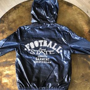 Lækker jakke i flot stand. Mindstepris 150pp.