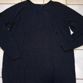 #30dayssellout   Dybt mørkeblå strikkjole fra Hennes & Mouritz. Brugt nogle gange og mærket er klippet ud.