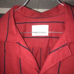 Varetype: Skjorte Farve: Rød