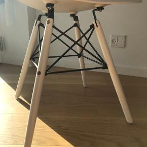1 stk sælges Ingen tegn på brug Købt i MyHome møbler Kan afhentes i Hasseris