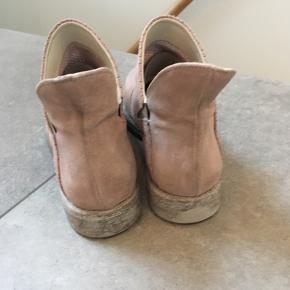 Helt nye støvler fra Duzt, rosa, str. 38. Nypris kr. 1.299.