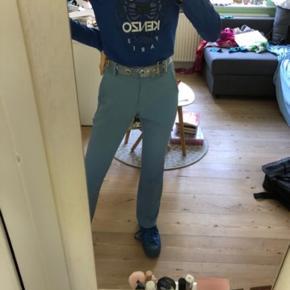 Fineste kenzo bluse i en flot blå farve. Printet har været vasket lidt men ellers er den i rigtig god stand- spørg gerne for flere billeder og give mængderabat :) åben for bud #Secondchancesummer