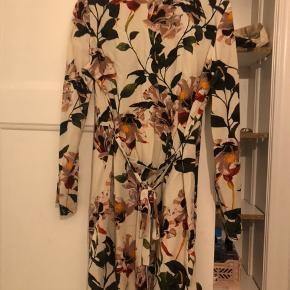 Kimono :-) aldrig brugt