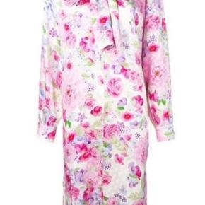 cfdae8c4 Sælger min silke Saks Potts kjole. Jeg har kun haft den på meget få gange