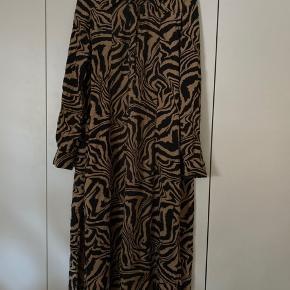 Smuk kjole fra Ganni str 38