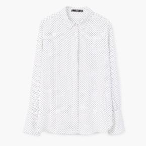 Fin skjorte fra Mango. Brugt 1 gang. Sælges for 180kr eksklusiv eventuelt forsendelse.