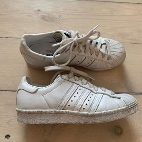 Adidas Originals sneakers i hvid :-)