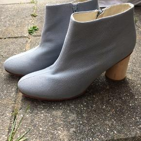 Mega fede støvler fra cos, jeg har desværre aldrig fået dem brugt... Nypris 799