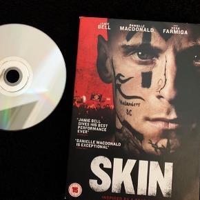 SKIN -  (2019) (Autentisk drama) - Uden danske undertekster.  Med Engelske undertekster.  Aldrig brugt.