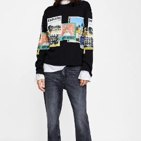 Langærmet trøje med print fra Zara.   Fejler ikke noget 🌸