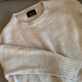 Lækker grå/sandfarvet strik fra Zara. Passer str M/L 🐚