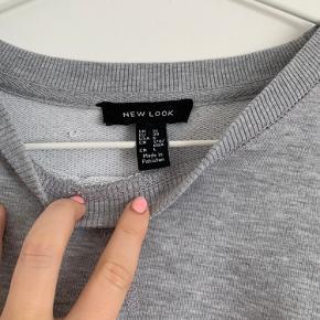 ASOS oversized sweater, som er brugt få gange.