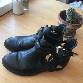 Claudia Ghizzani støvler