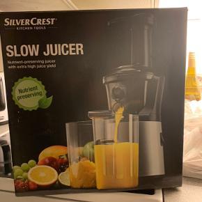 Slow juicepresser, kun brugt et par gange.  BYD :)