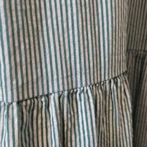 Kjole i 100% bomuld fra Copenhagen Luxe. Brugt få gange. Str. L/XL. Kan afhentes på Frederiksberg eller sendes.