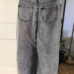 Lang cowboy nederdel fra Envii i XS. Aldrig brugt - prismærket er stadig på.  Nypris: 550kr